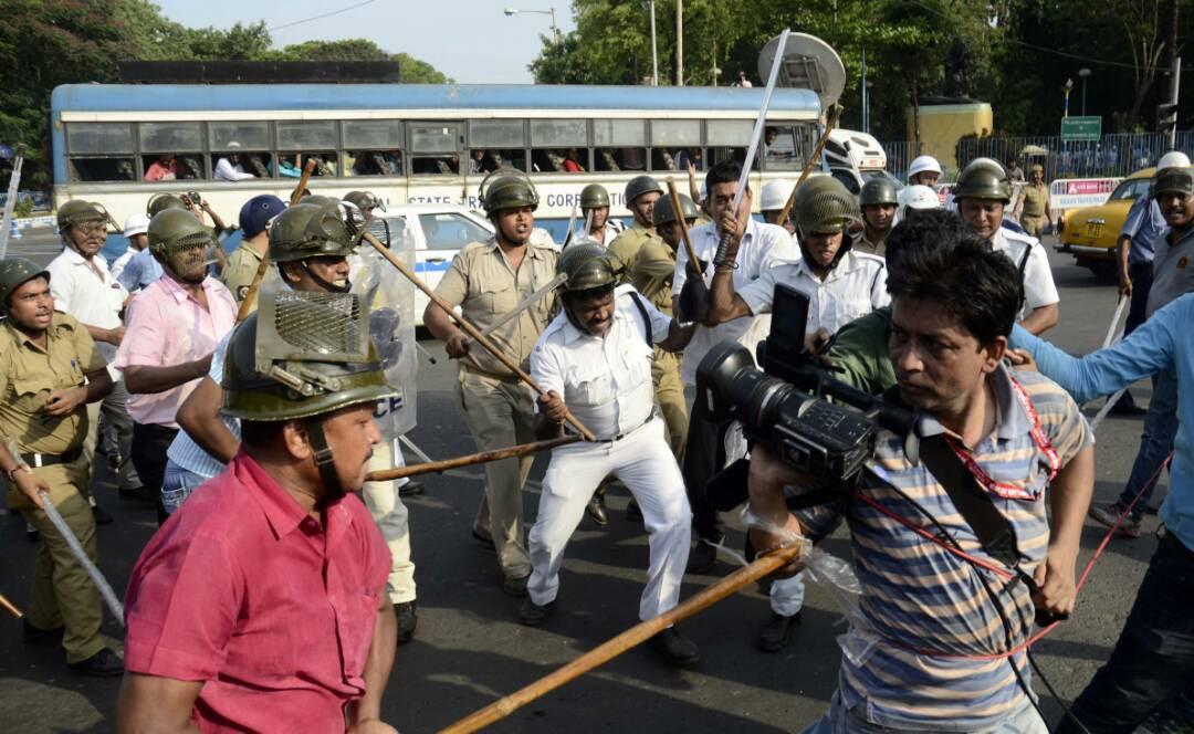 Police assault dozens of journalists covering political demonstration in Kolkata