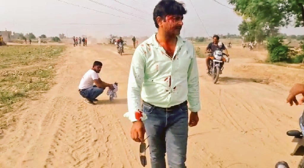 TV journalists attacked by illegal sand miners in Punjab, India
