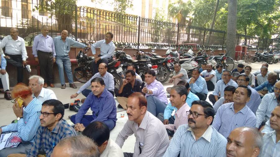 Press Trust of India sacks 297 staff in one day
