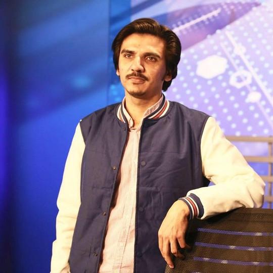 Pakistan: Journalist Ali Toor summoned for social media post