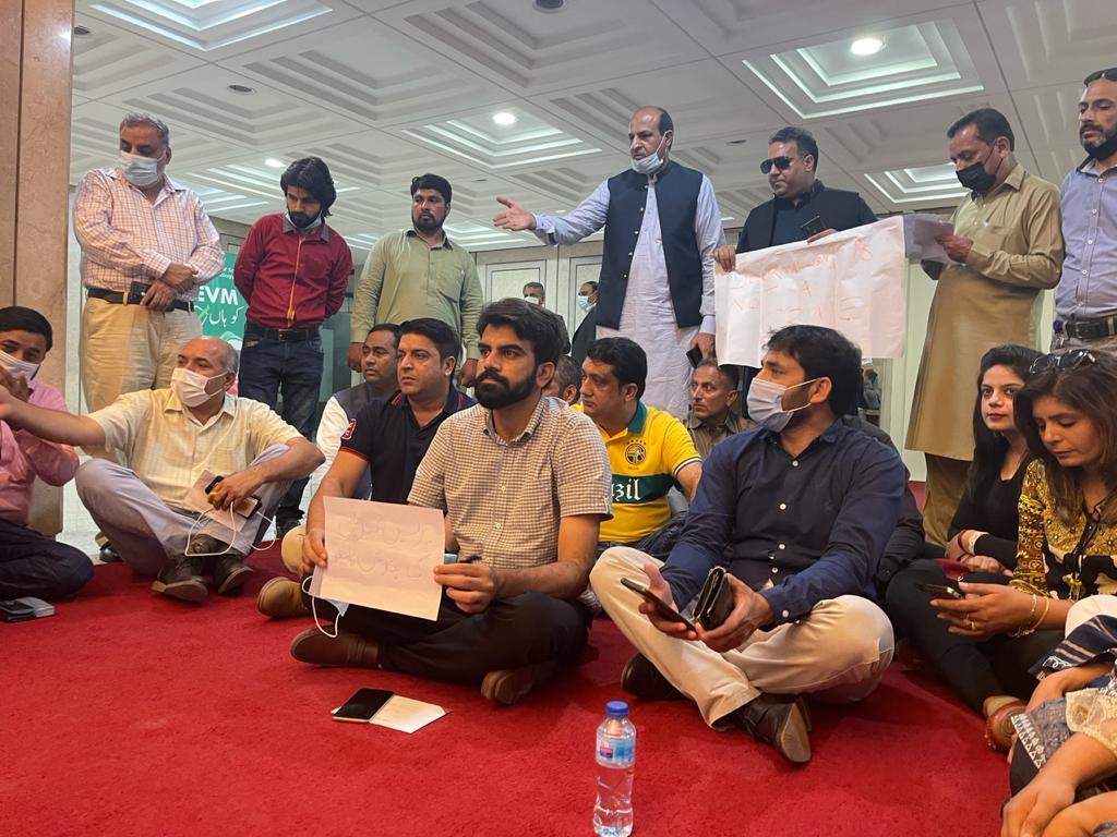 Pakistan: Government must heed media protests against controversial PMDA bill